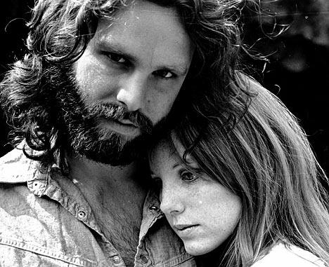 En février 1970 les Doors effectuent un retour en force avec Morrison Hotel album rock gorgé de blues. Jim y signe certainement ses meilleures ...  sc 1 st  All you need is... music & Pourquoi lu0027oeuvre de groupes américains contemporains des Doors n ... pezcame.com